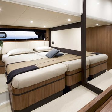 Atlantis-43-Guest-Cabin-Queen-Size-Bed